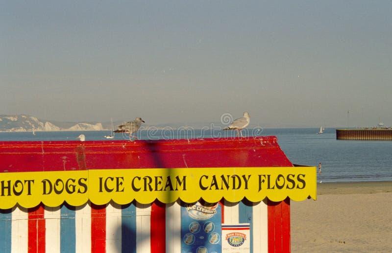 Barraca do alimento na praia Weymouth Inglaterra foto de stock