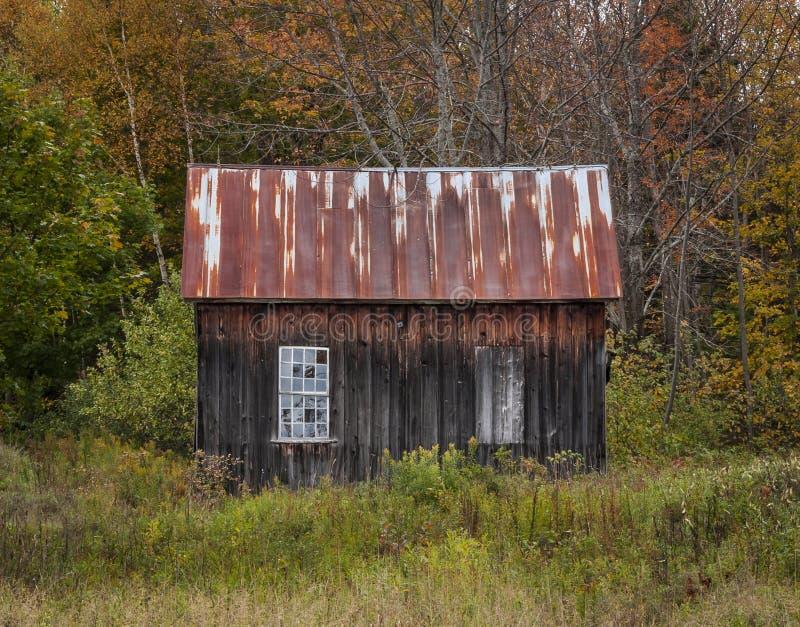 Barraca velha da madeira de Vermont imagens de stock royalty free