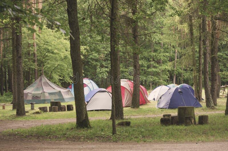 Barracas no acampamento fotografia de stock