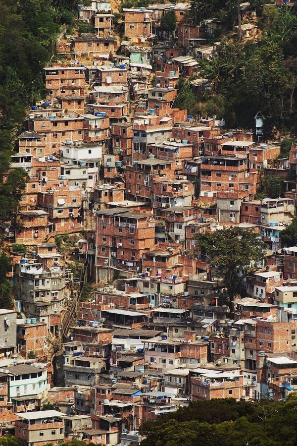 Barracas no Favellas, um bairro pobre em Rio de Janeiro fotos de stock royalty free