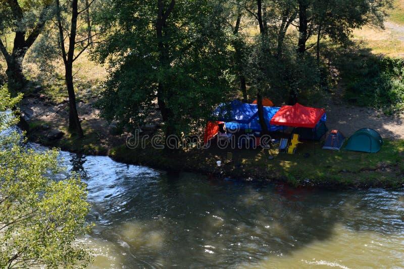 Barracas pelo rio fotos de stock royalty free