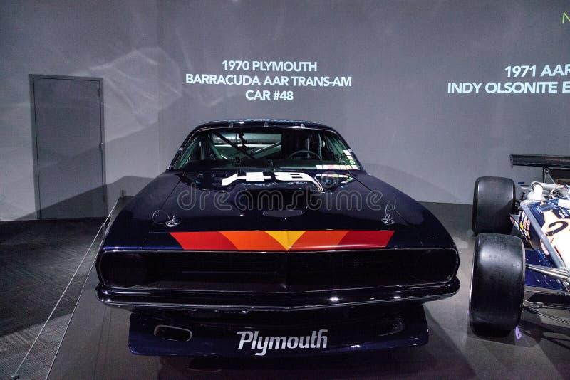 A barracuda 1970 de Plymouth do preto AAR Transporte-está imagens de stock royalty free