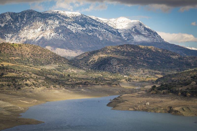 Barrage artifcial de lac Faneromeni photographie stock