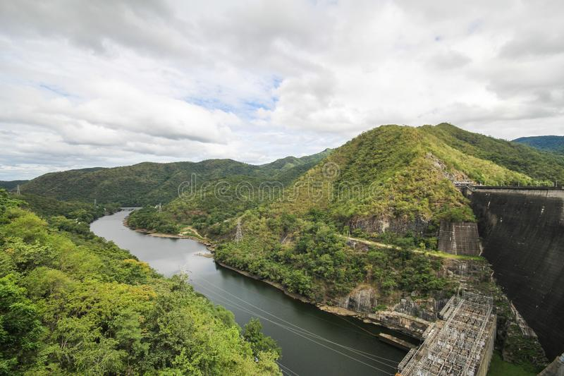 Barrage de Bhumibol, beau barrage de Tak, Thaïlande image libre de droits