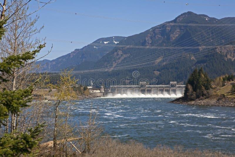Barrage de Bonneville sur le Fleuve Columbia images libres de droits
