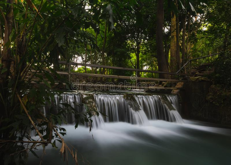 Barrage de contrôle, au khao yai, la Thaïlande image libre de droits