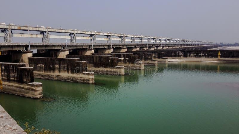 Barrage de Farakka au-dessus de rivière Ganga image stock