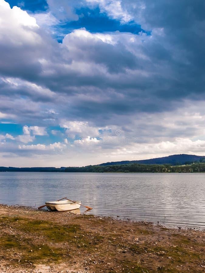Barrage de Lipno - parc national de Sumava, République Tchèque photo stock