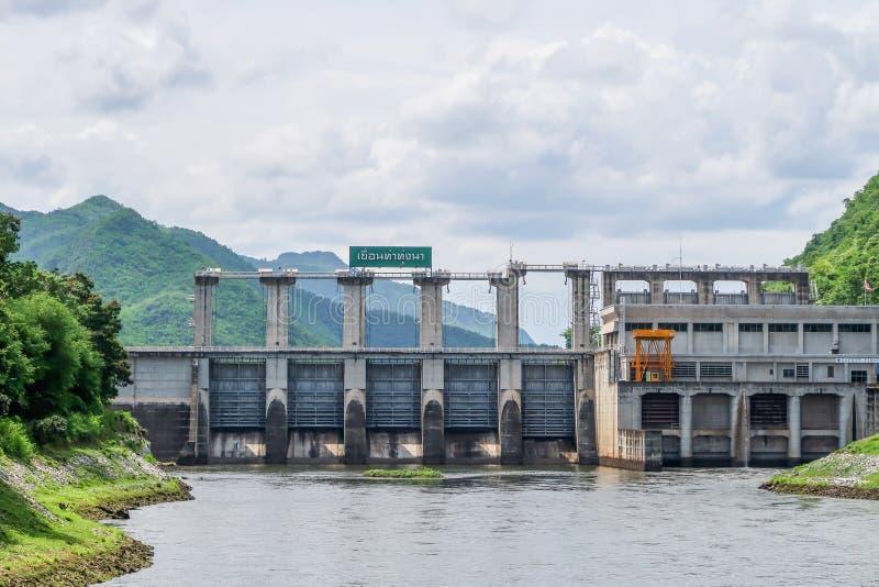 Barrage de Na de Tha Thung, barrage hydro-électrique dans Kanchanaburi, Thaïlande photos libres de droits