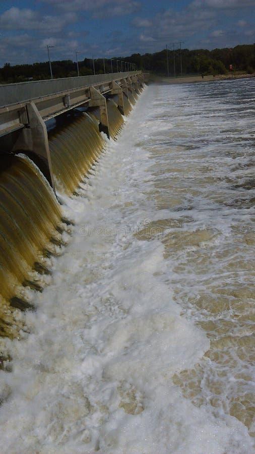 Download Barrage De Rapide De Ragondin Dans La Rapide De Ragondin, Minnesota U S A Image éditorial - Image du nuages, barrage: 77156905