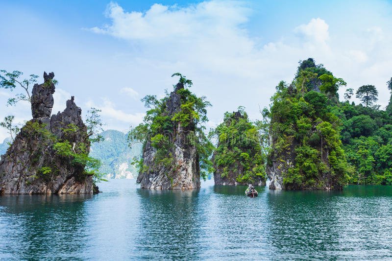 Barrage de Ratchaprapha chez Khao Sok National Park photo stock
