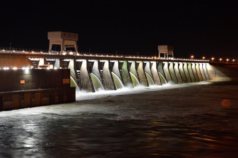 Barrage du Kentucky la nuit images stock