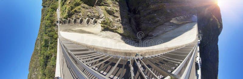 Barrage 'Verzaska' - centrale hydroélectrique photographie stock libre de droits