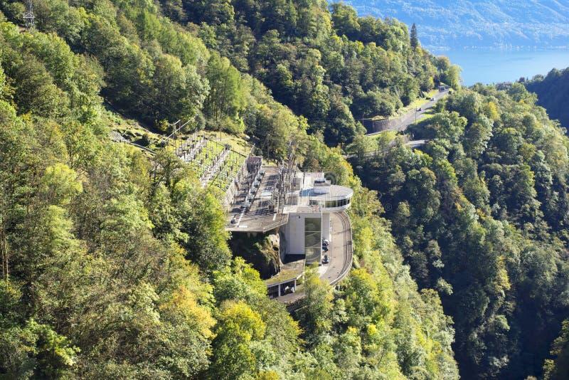 Barrage 'Verzaska' - centrale hydroélectrique images libres de droits