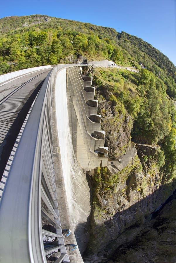Barrage 'Verzaska' - centrale hydroélectrique photo stock