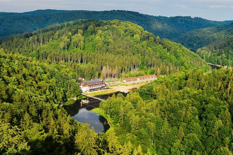 Barraged Lubachowskie sjö- och Bystrzyca River Valley landskap, Zagorze Slaskie, lägre Silesia, Polen royaltyfria foton