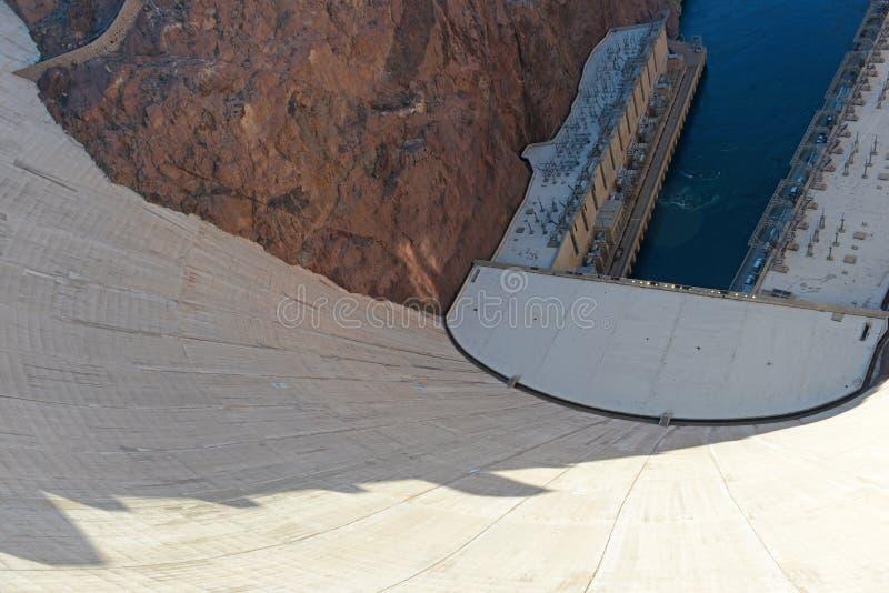 Barragem Hoover, um marco hidroelétrico maciço da engenharia situado na beira de Nevada e de Arizona fotografia de stock royalty free