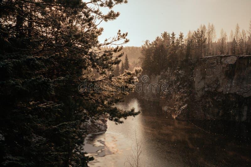 Barranco de mármol en invierno imagen de archivo