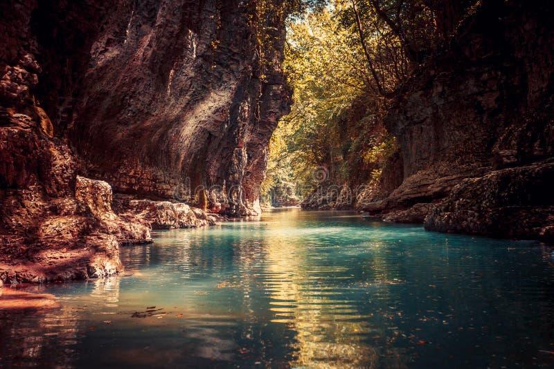 Barranco de Martvili en Georgia Paisaje de la naturaleza imagen de archivo