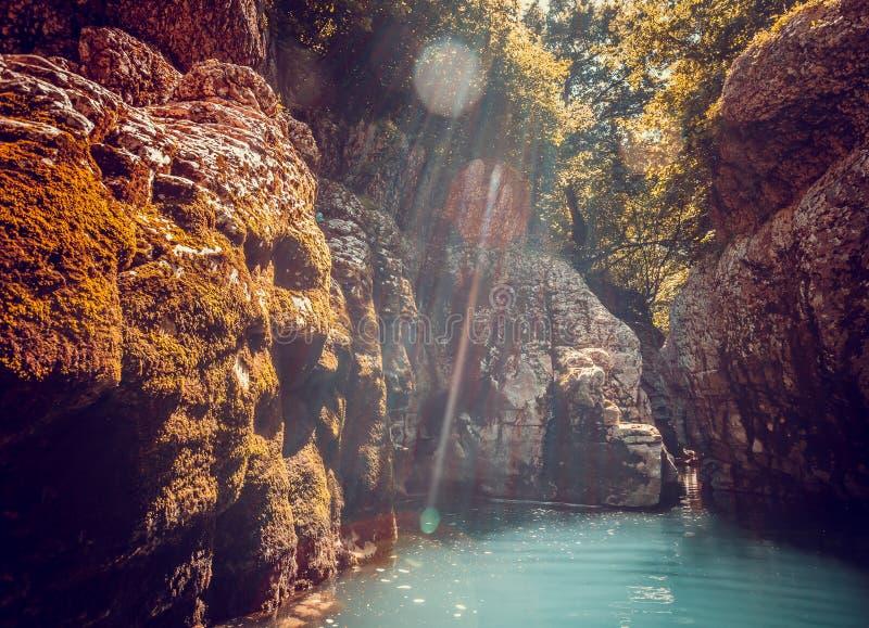 Barranco de Martvili en Georgia Paisaje de la naturaleza fotografía de archivo libre de regalías