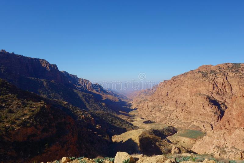 Barranco del paisaje de Dana Biosphere Nature Reserve del pueblo histórico de Dana, Jordania, Oriente Medio foto de archivo libre de regalías