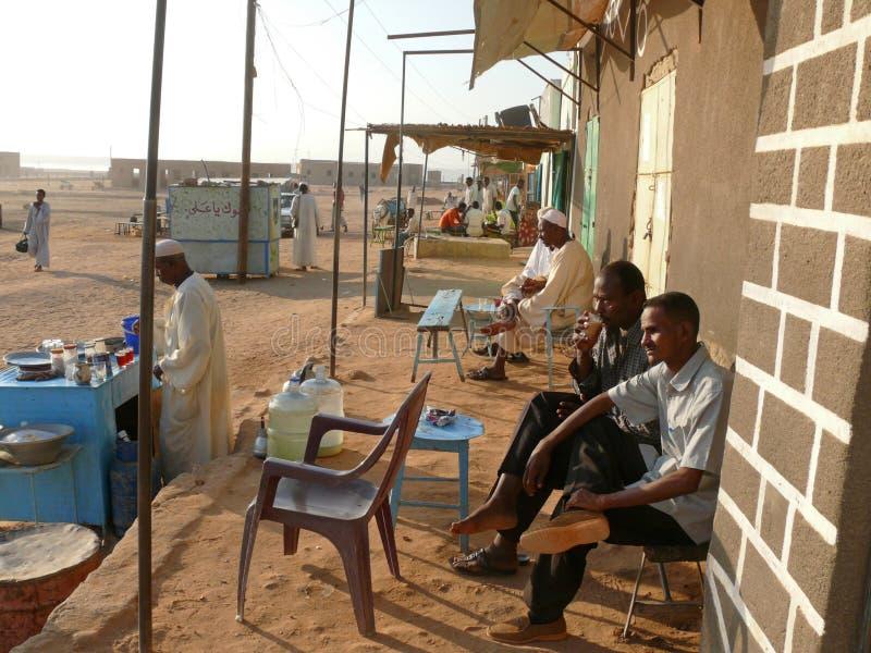 BARRANCO - HALFA, SUDÃO - 19 DE NOVEMBRO DE 2008: Sudanês da vida. fotografia de stock