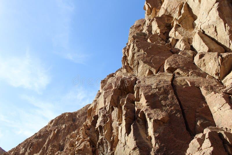 Barrancos de la montaña para el granito y el basalto foto de archivo libre de regalías