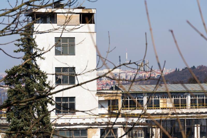 Barrandov-Terrassen funkcionalism Gebäuderuinen in Prag, Tschechische Republik stockfotos