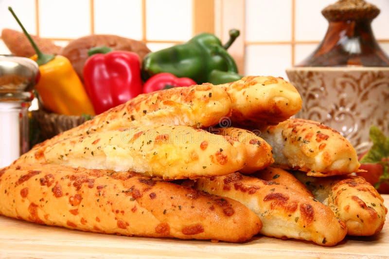 Barras de pan de ajo imagen de archivo