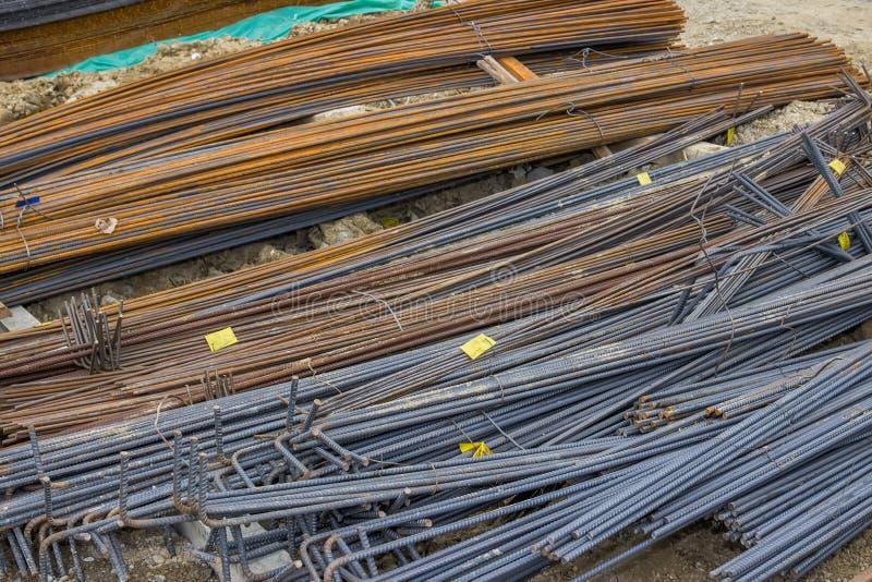 Barras de reforço de aço para reforçar o concreto 2 fotografia de stock