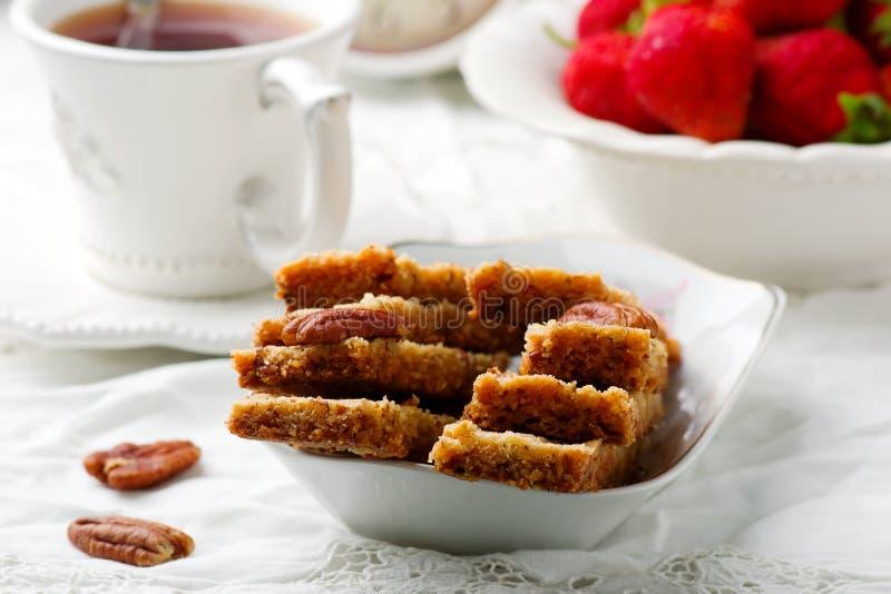 Barras do biscoito amanteigado da noz-pecã Vintage do estilo fotografia de stock