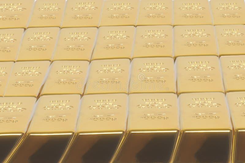 Barras empilhadas do lingote de ouro Pena, eyeglasses e gráficos imagem de stock