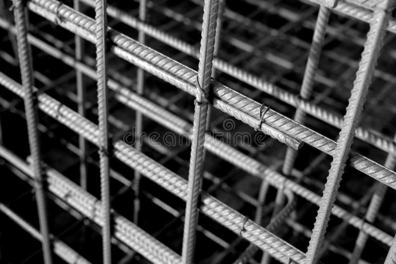 Barre arrugginite di rinforzo del metallo Barre d'acciaio di rinforzo per l'armatura di costruzione immagini stock