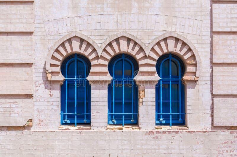 Barre di finestre arabe blu fotografie stock