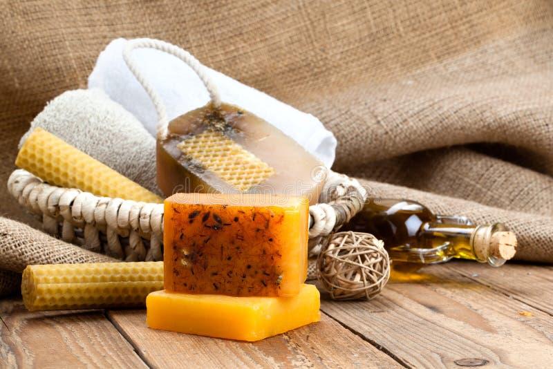 Barre fatte a mano del sapone del miele immagine stock