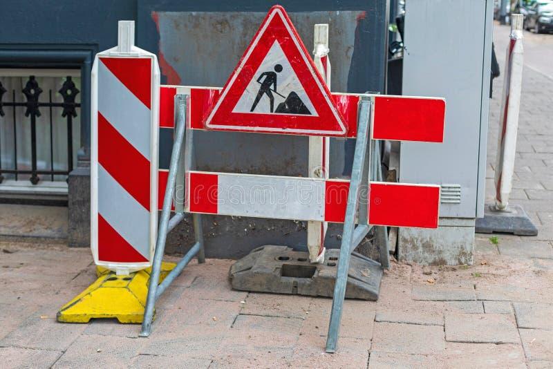 Barreira de Obras na Estrada fotos de stock royalty free