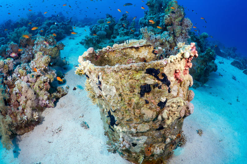 Download Barrel Of Oil Underwater Stock Image - Image: 23113281
