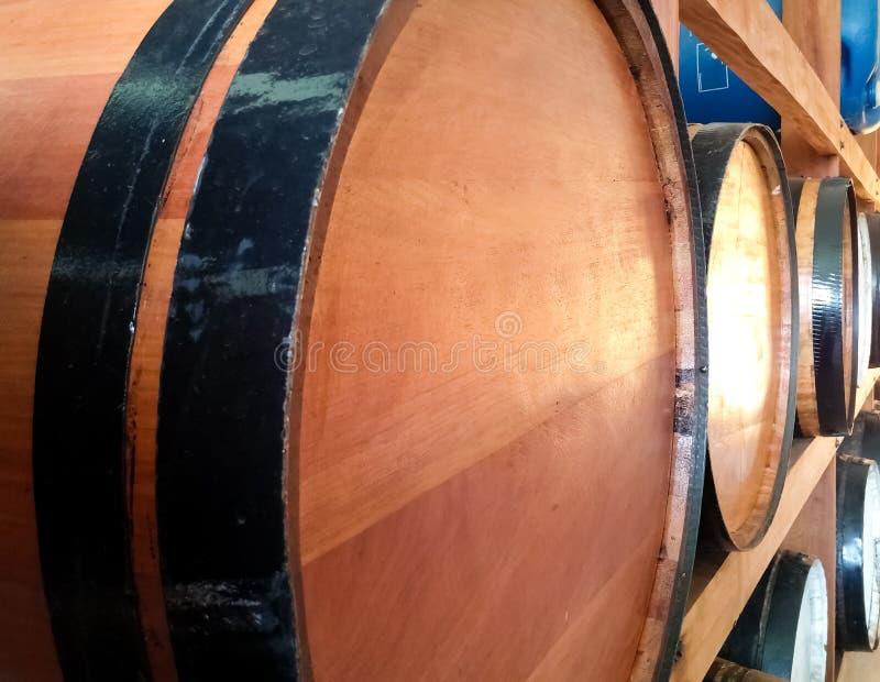 Barrel para el almacenamiento de bebidas alcohólicas y su fermentación o envejecimiento imagen de archivo