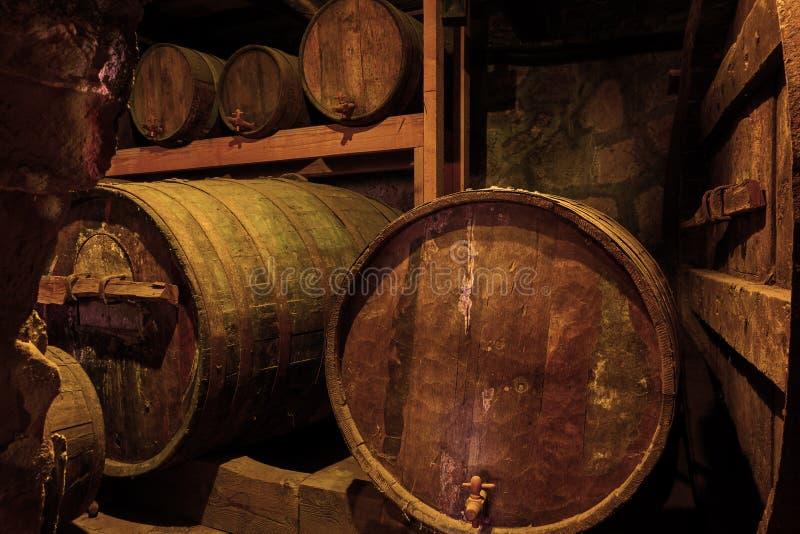 barrels старое вино стоковые фото