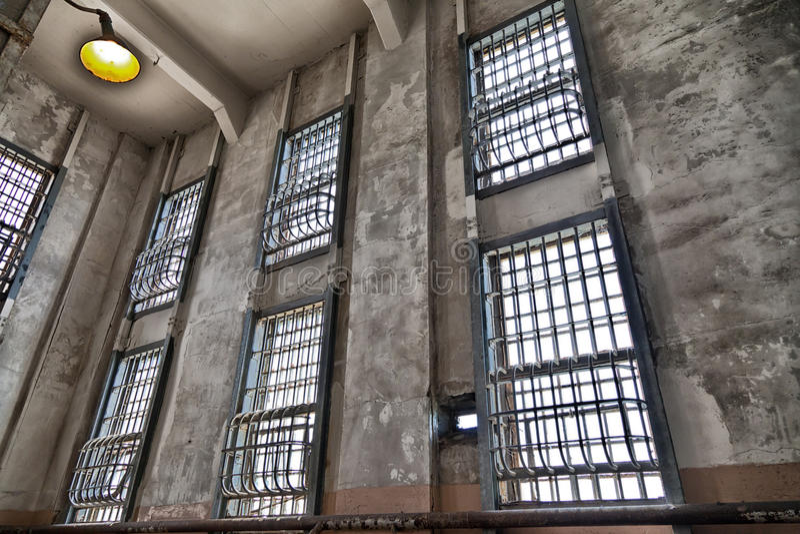Barres de fenêtre de prison d'Alcatraz photo stock