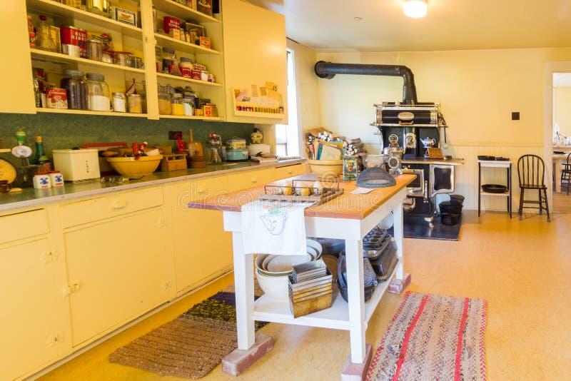 Barrez l'intérieur historique national de site de ranch d'u de la vieille cuisine image stock
