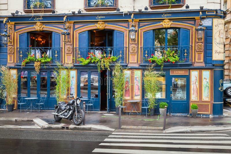 Barrez la façade sur les Grands Augustins, Paris de DES de Quai photos libres de droits