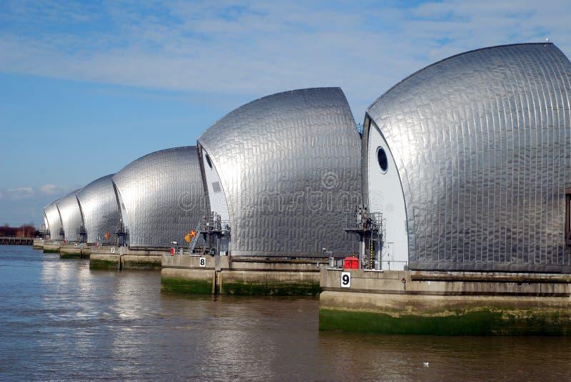 barriär london s thames arkivbild
