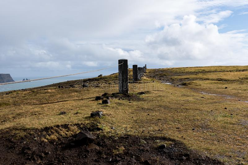 Barrière autour du phare images stock