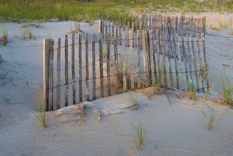 Barrière de barrière en plage atlantique photos libres de droits