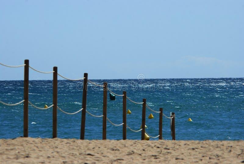 Barrière sur la plage photos libres de droits