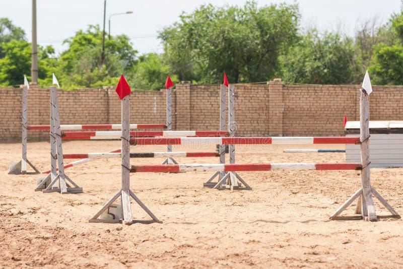 Barrières voor stadium ruitercompetities stock foto's