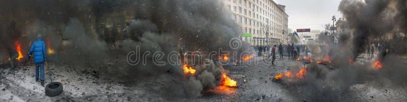 Barricades in de straat Hrushevskoho royalty-vrije stock afbeeldingen
