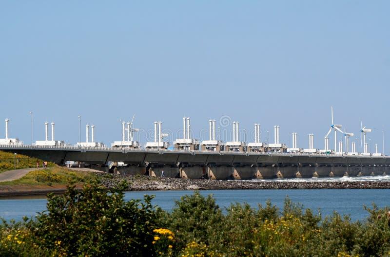 Barriera che orientale della mareggiata della Schelda la diga più lunga nel delta funziona fotografia stock