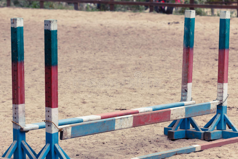 Barriere di ostacoli di equitazione immagine stock